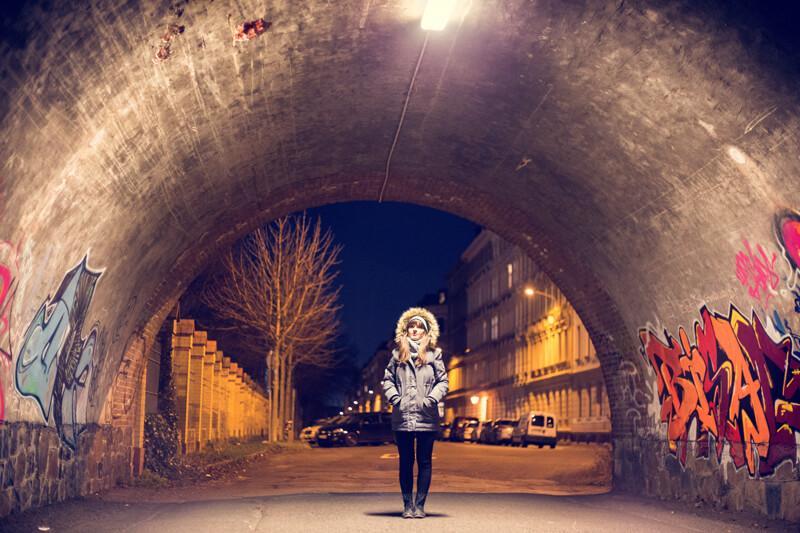 Ein Portrait bei Nacht.