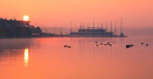 Markkleeberger See am frühen Morgen.